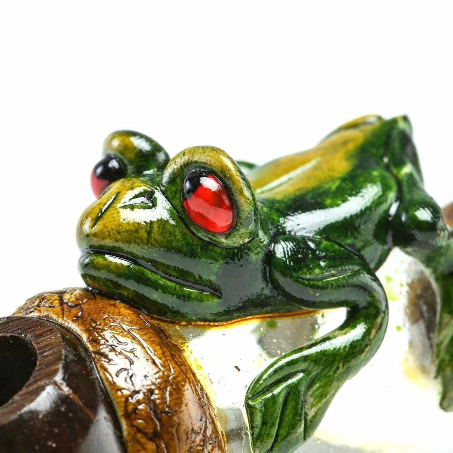 Andean Walnut Base - Frog Smoking Pipe with Glass