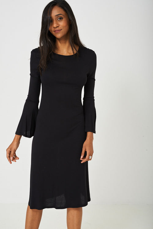 Bell Sleeve Dress in Black - Fitfineandfabulous.com