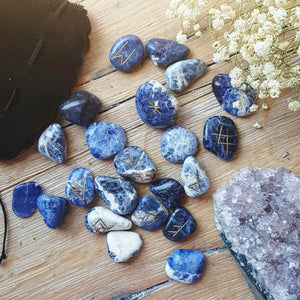 Sodalite Viking Rune Set