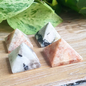 Sunstone & Moonstone Pyramid Duo (India)
