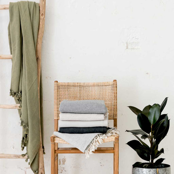 Vintage Wash throw - Olive
