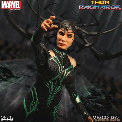 Mezco One:12 Collective Marvel Thor: Ragnarok Hela Action Figure
