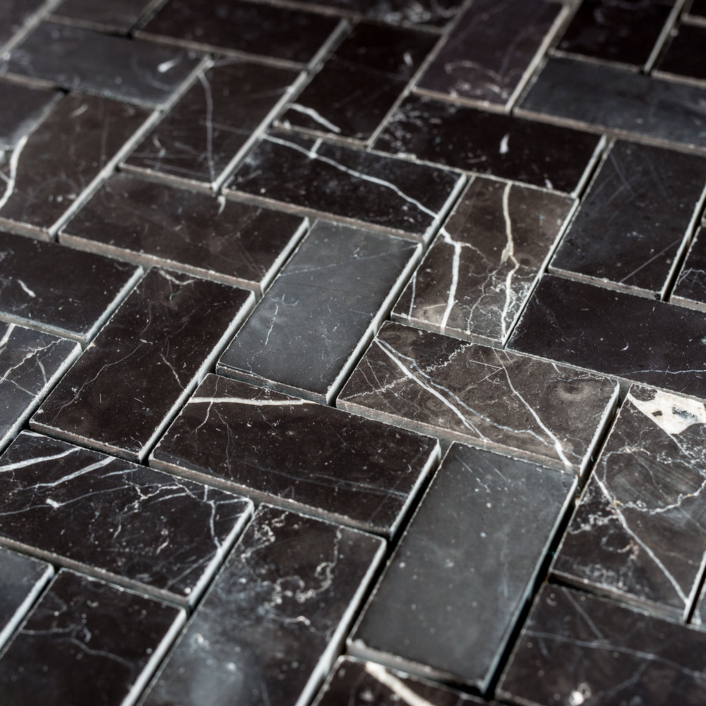 NERO MARQUINA / HERRINGBONE MEDIUM