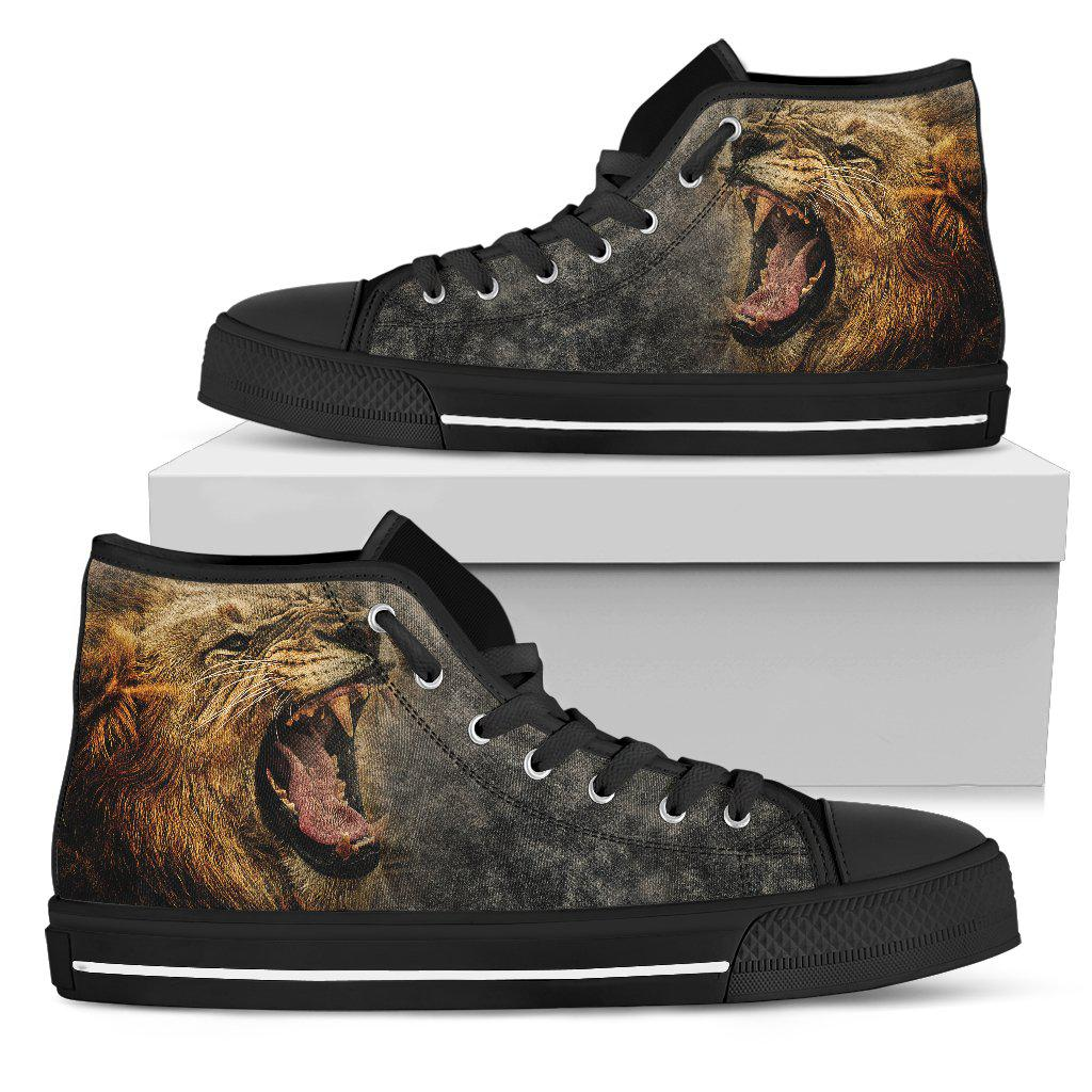 Shopeholic:Lion Roar - Men's High Top Canvas Shoes