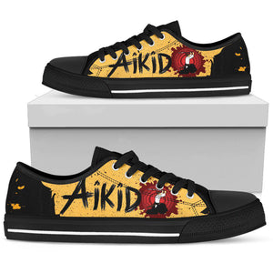 Shopeholic:Akido Women's Low Top Shoe