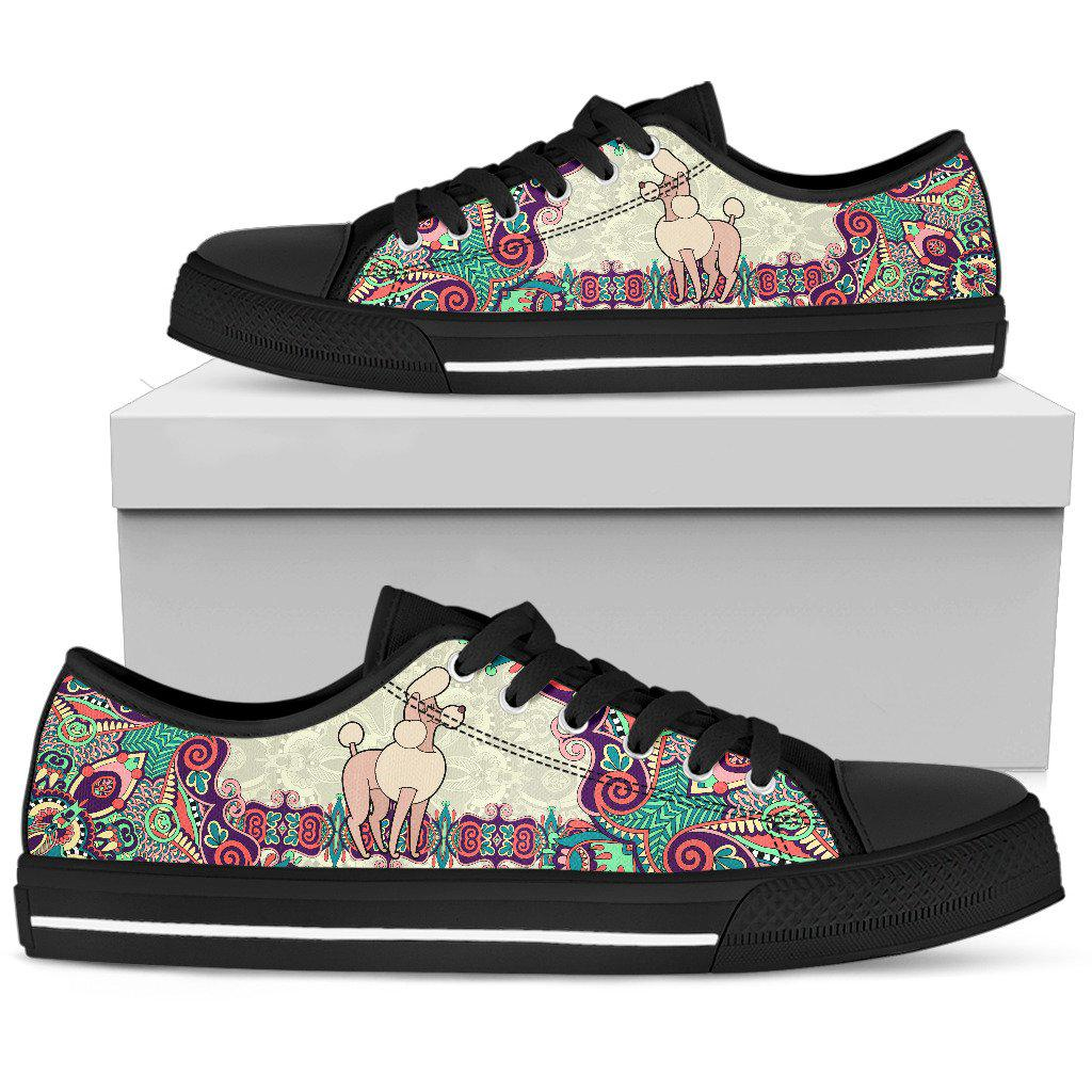 Shopeholic:Poodle Women's Low Top Shoe