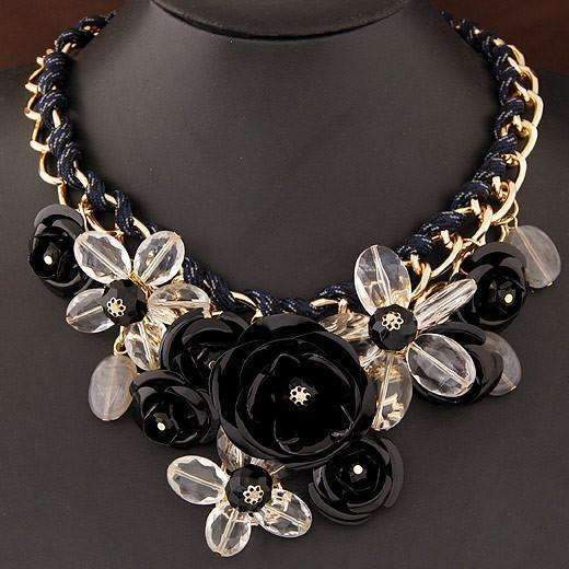 Shopeholic:Flower Fashion Necklace