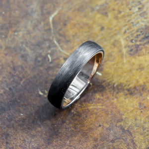 Men's Ring in 18ct rose gold & carbon