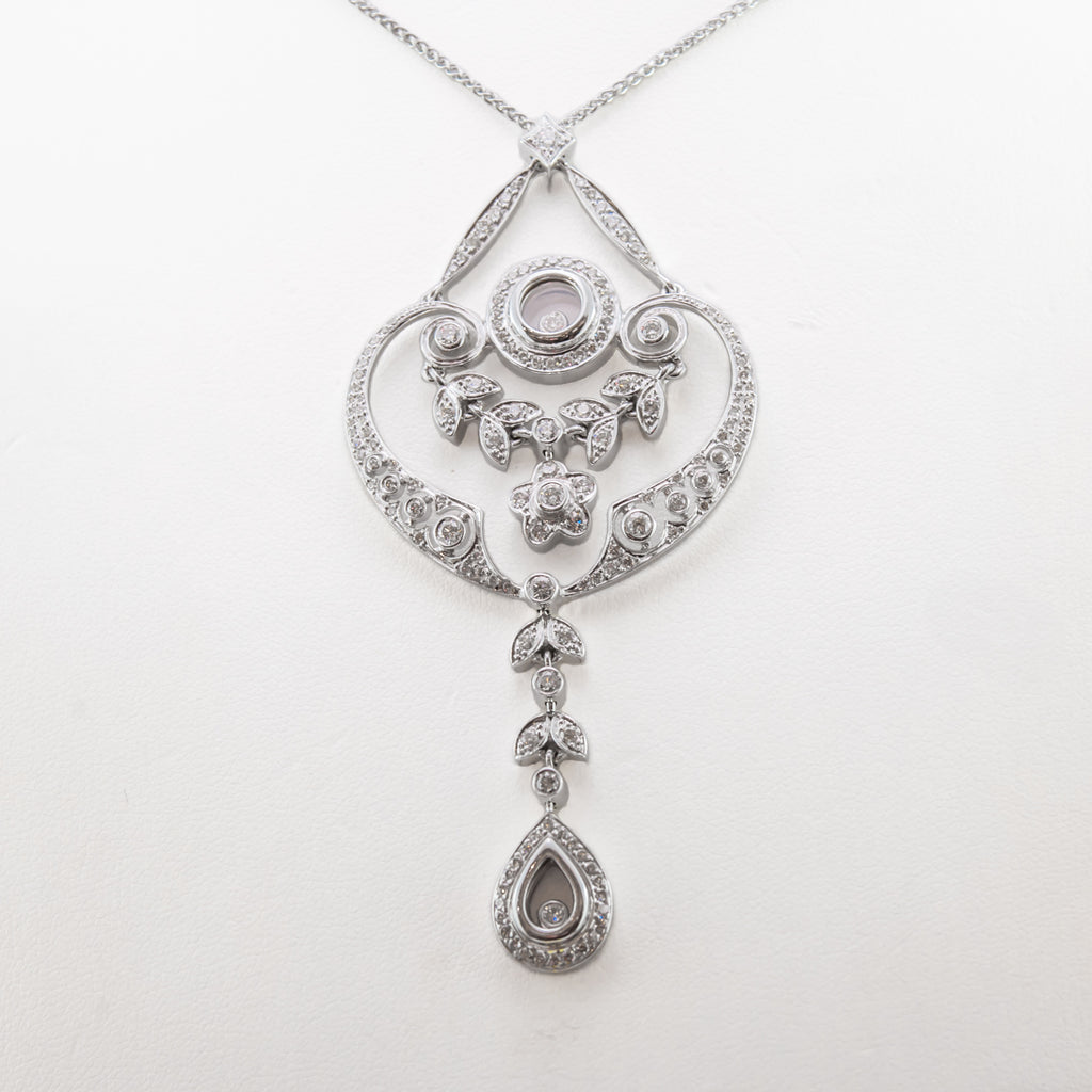 Antique Style Necklace in White Gold With Diamonds
