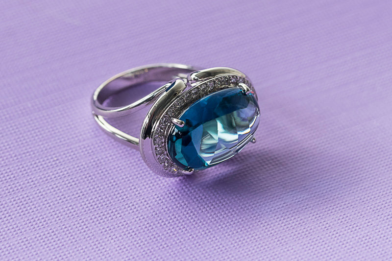 Blue Topaz & Diamond Ring in 18ct White Gold