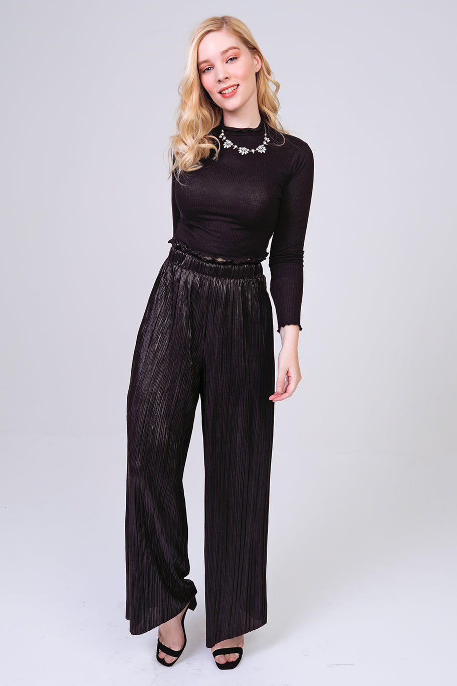 Pleated Paper-Bag Waist Bodre Palazzo Pants in Black/Black