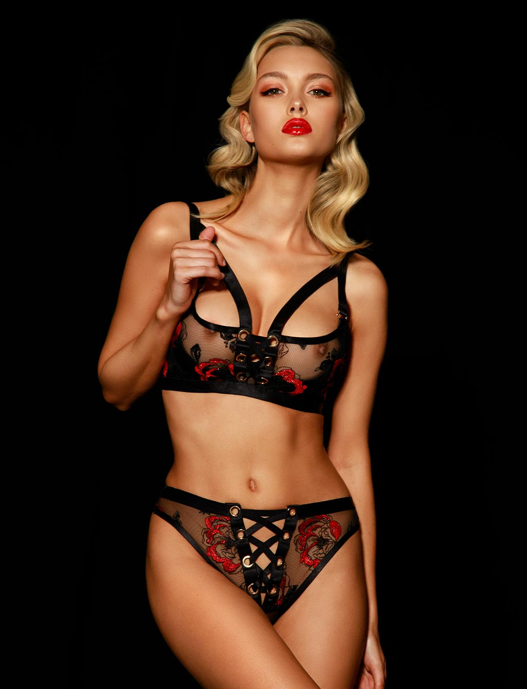 Freyah Lace Black & Red Panty