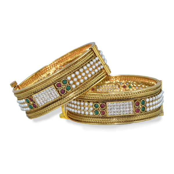 Pearl & White Diamond Studded Bangle Set