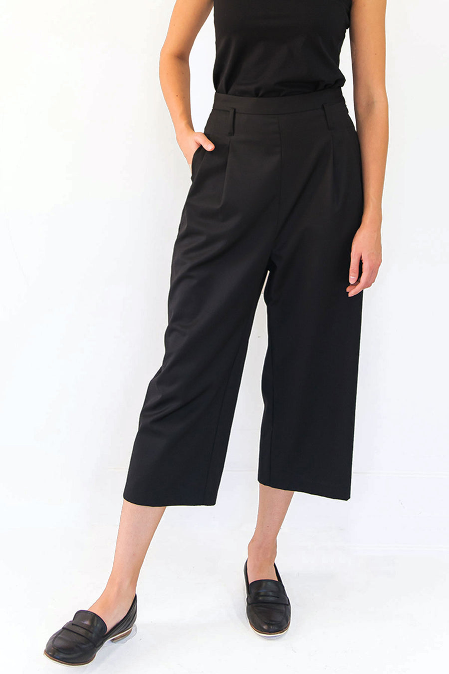 Black culottes with pockets