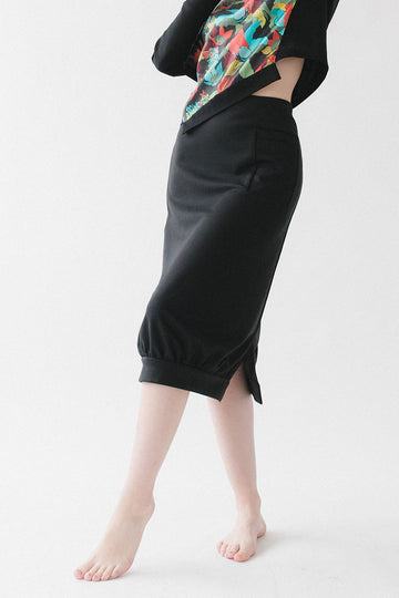 Black skirt with pocket