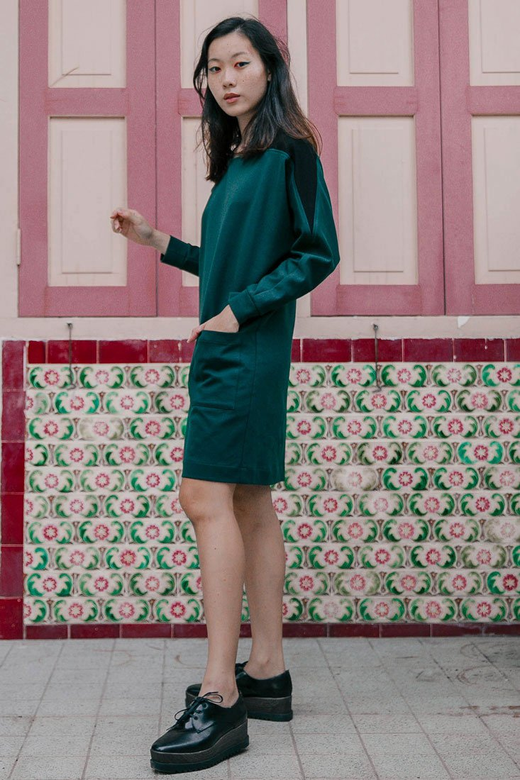 Green sweater dress with pocket