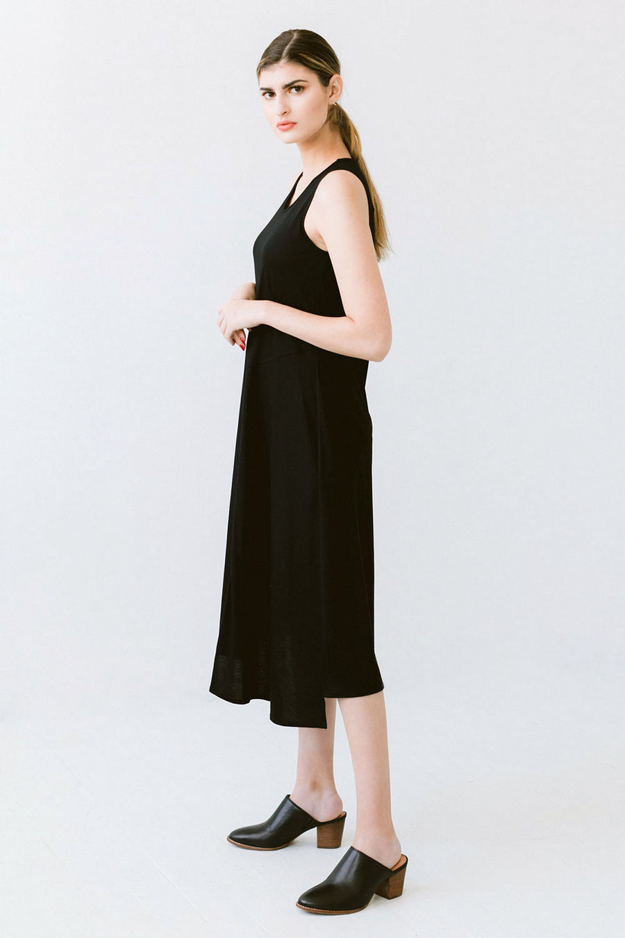 Sleeveless long black dress