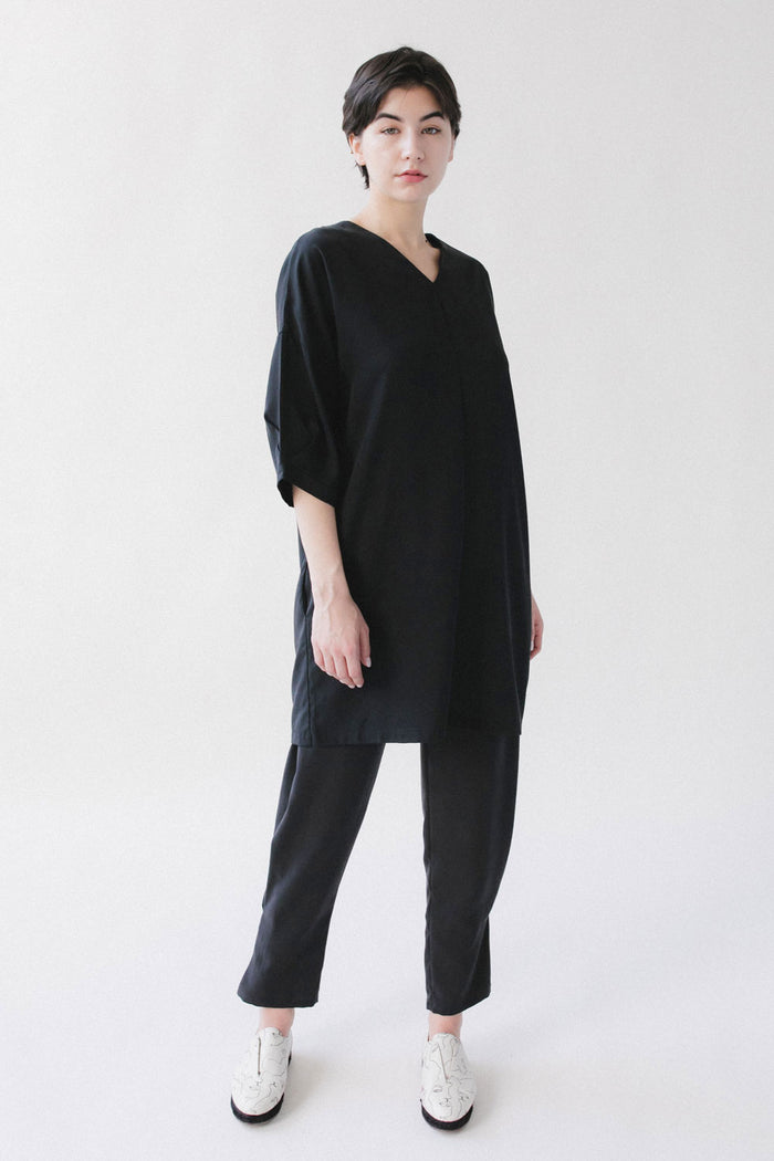 Black short sleeve tunic dress A.Oei
