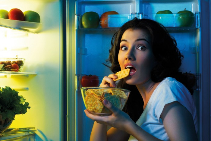 Is it Bad to Eat Before Bed? Does it Make You Fat?