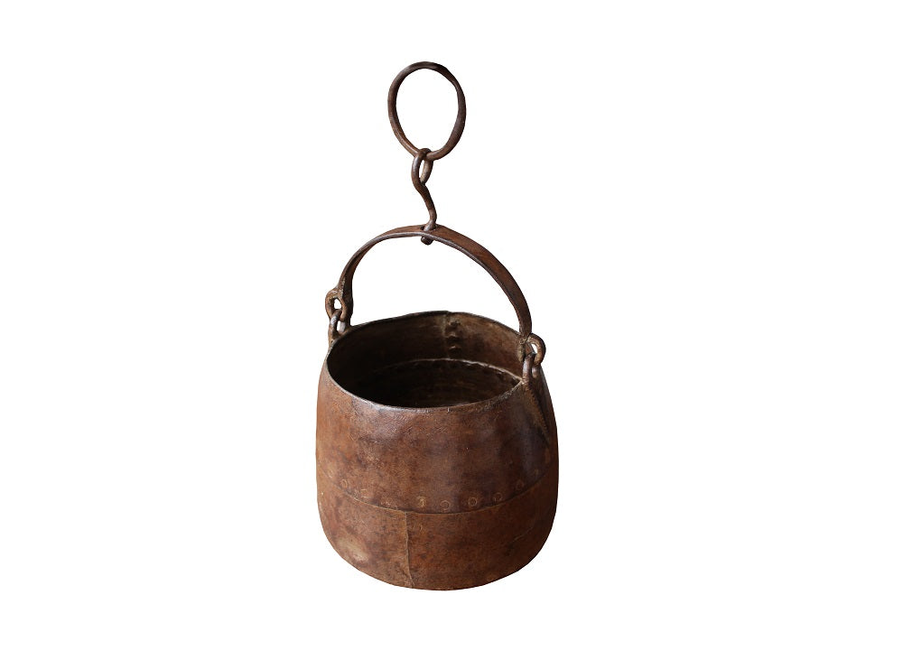 Vintage Cast Iron Hanging Pot - HomeStreetHome.ie