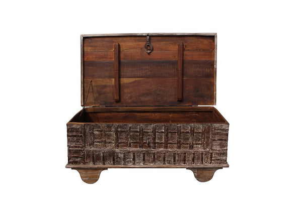 Sand Rose Storage Trunk - Coffee Table - HomeStreetHome.ie