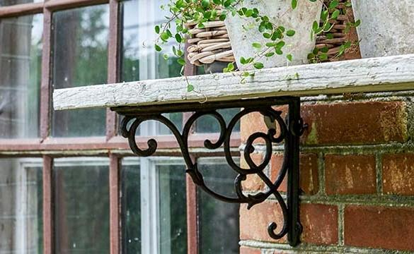 Cast Iron Shelf Brackets - HomeStreetHome.ie