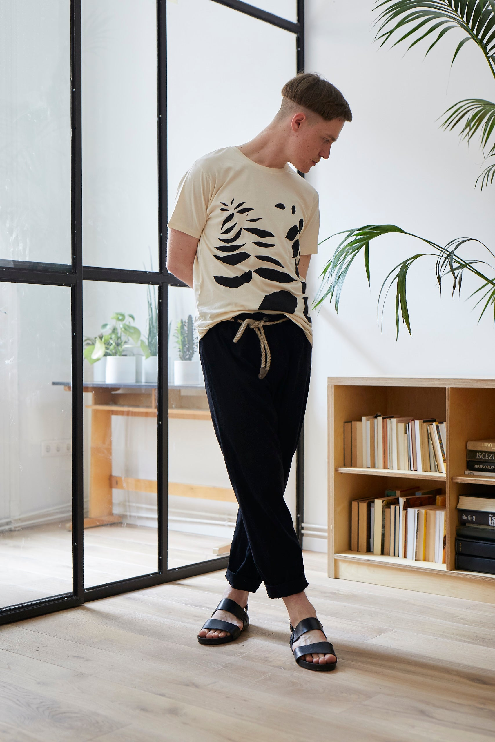 NATURAL T-SHIRT WITH LEAVES PATTERN