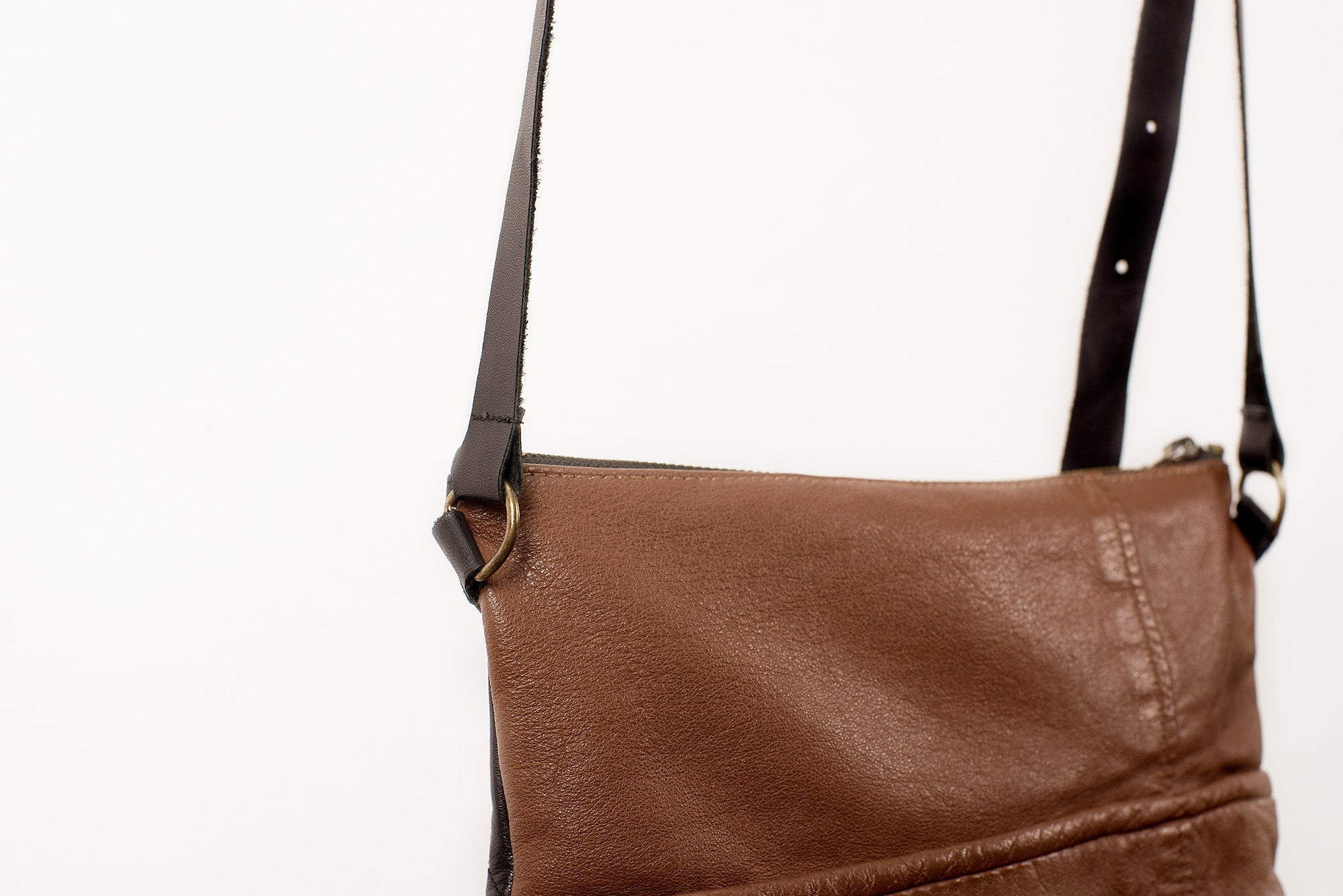 LEATHER SHOULDER BAG - SMALL