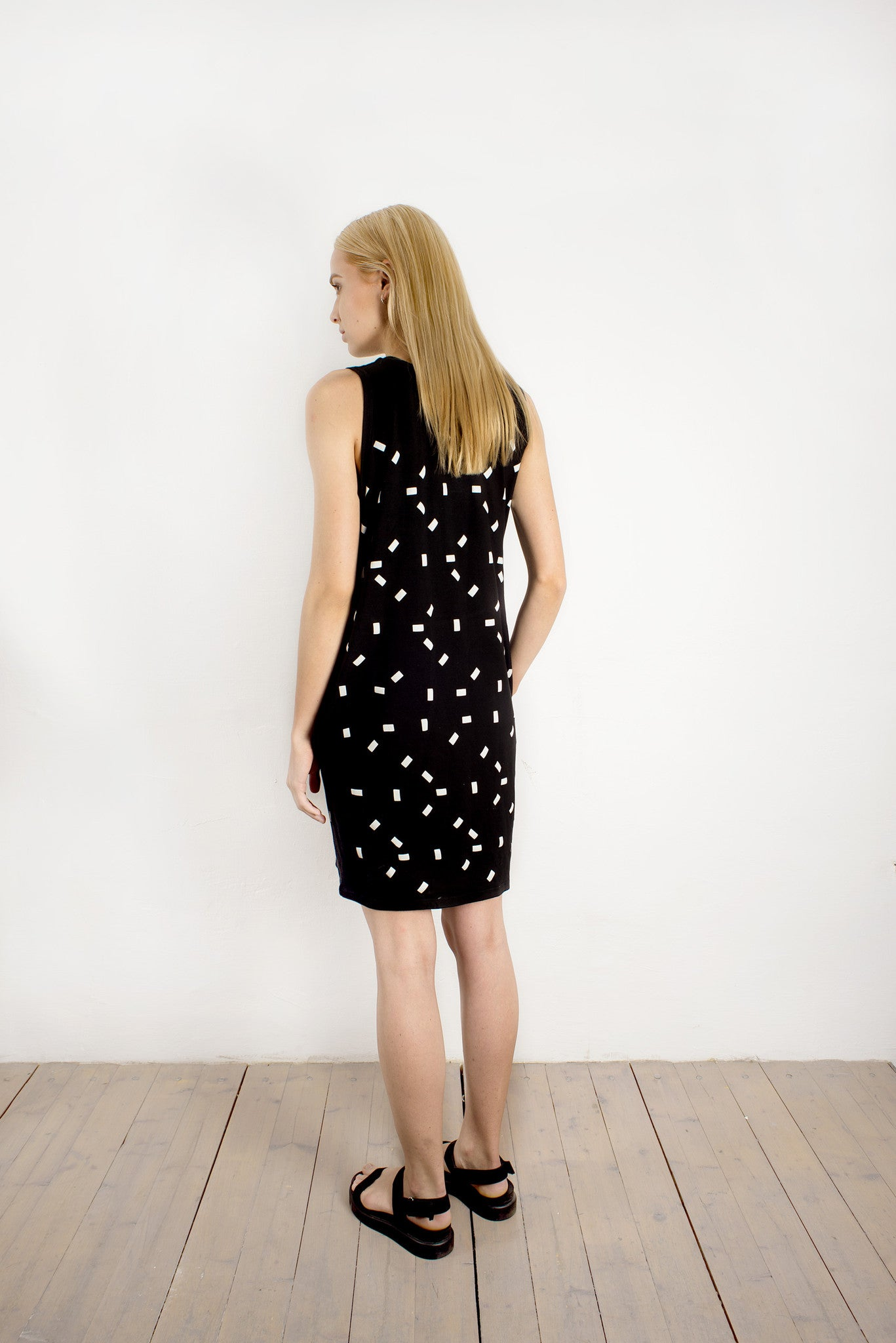 SLEEVELESS DRESS WITH RECTANGLES PATTERN