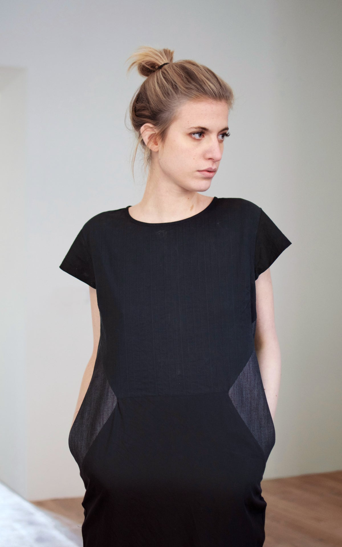 BLACK JEANS INLAY DRESS
