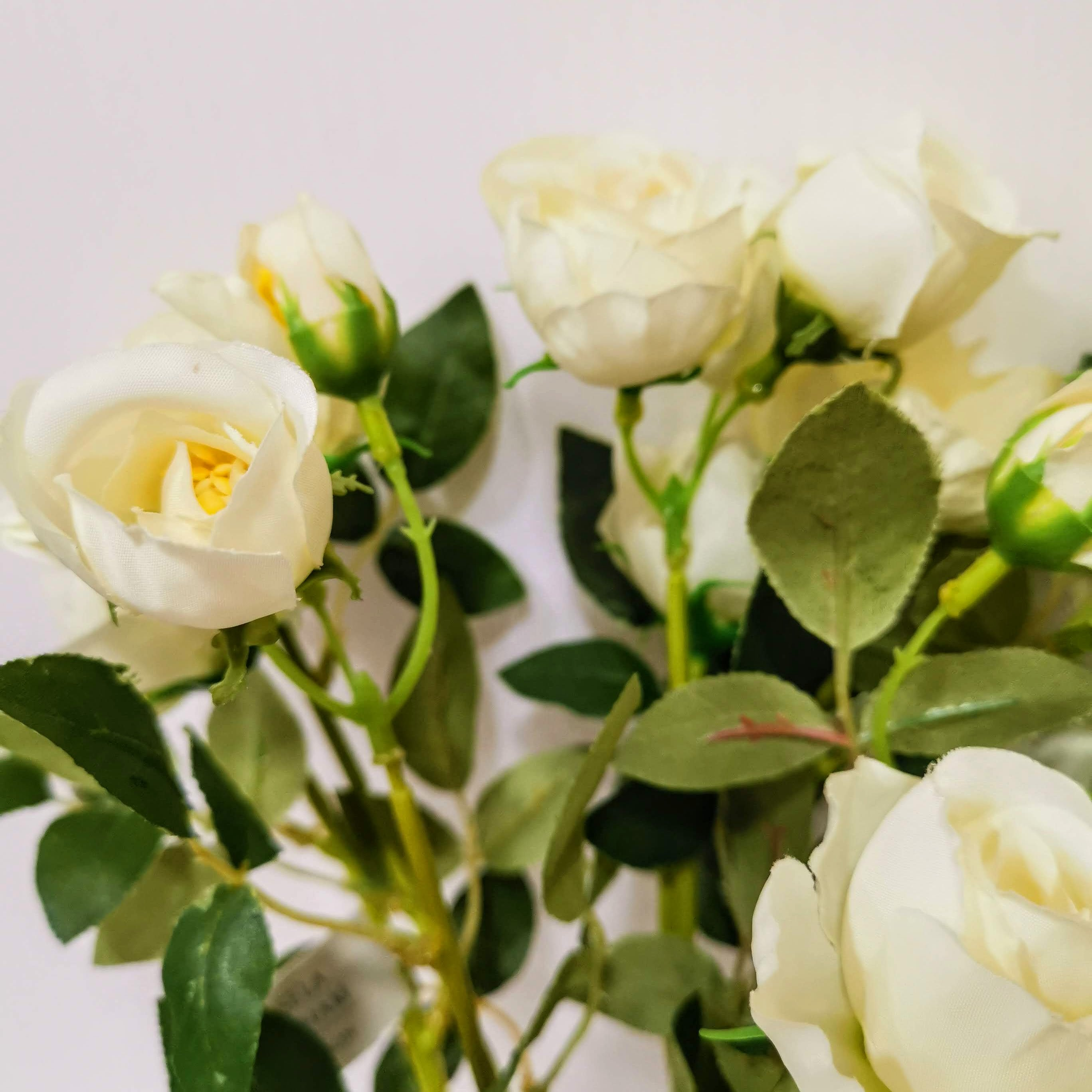 Small White Rose Bunch