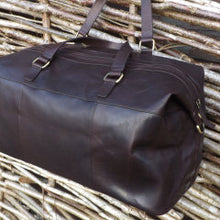 Load image into Gallery viewer, Tinnakeenly Leather Travel Bag