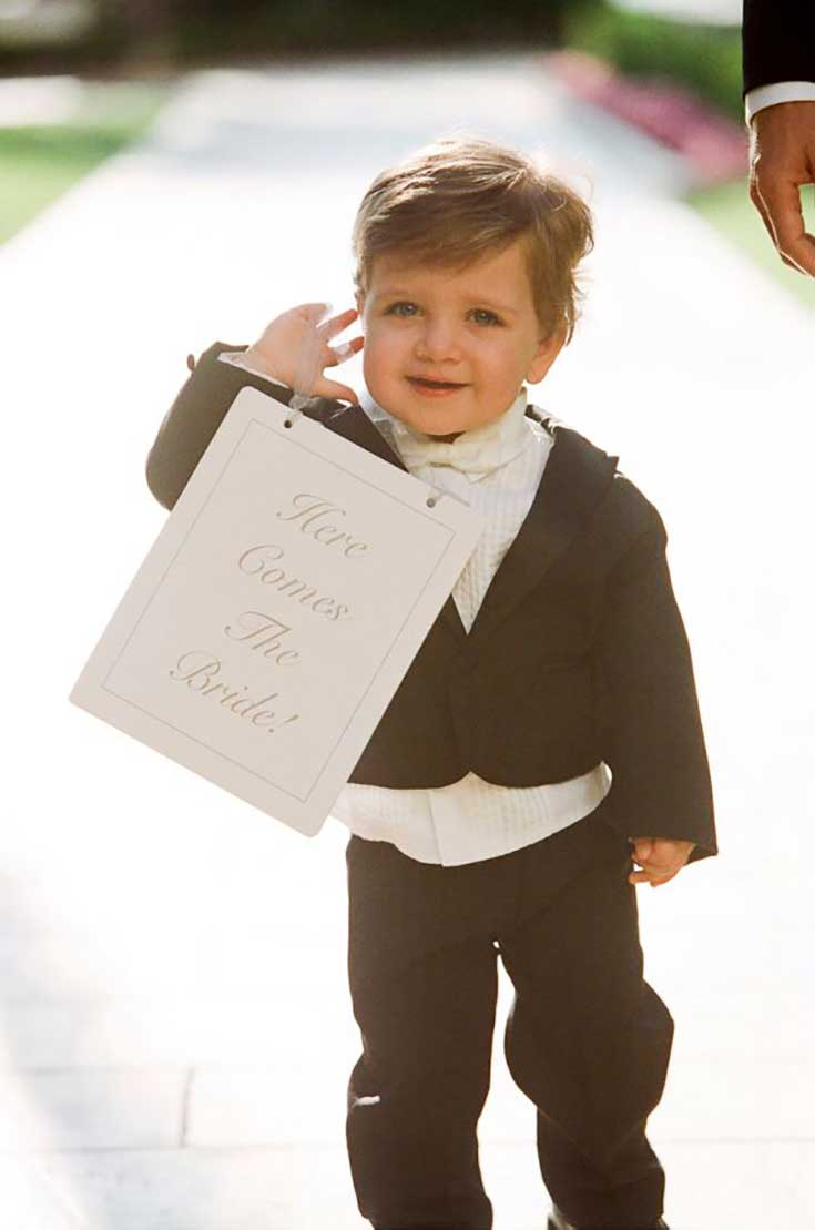 Cute Wedding Signs for Little People