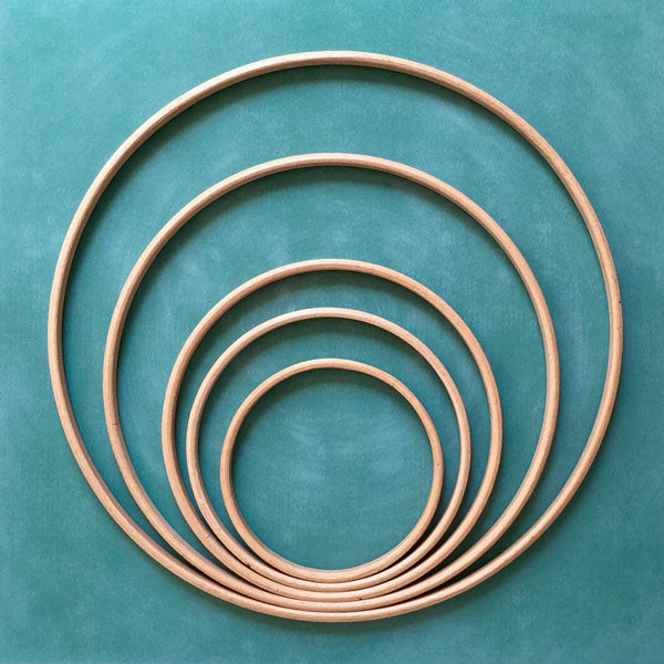 Cercles en bois pour attrapes r ves diy the cinnamon patch - Cercle attrape reve ...