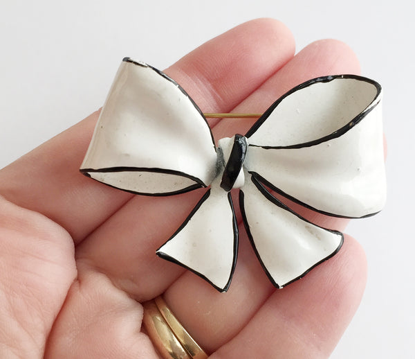 Vintage Black & White Enamel Bow Pin