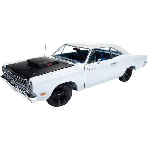 1/18 1969 Plymouth Road Runner Post Coupe