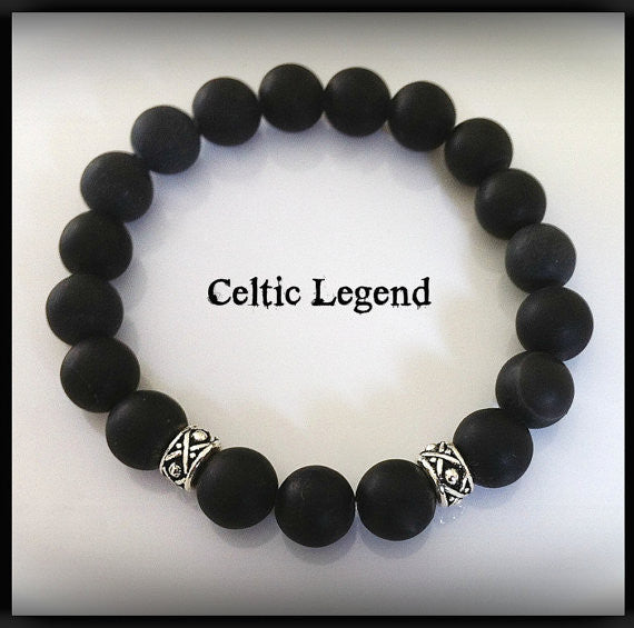 Celtic Legend Men's Onyx Bracelet, Unisex Boho Jewelry, Outlander Inspired, Celtic Knot Bracelet, Groomsmen Gift - GracieWieber - 1