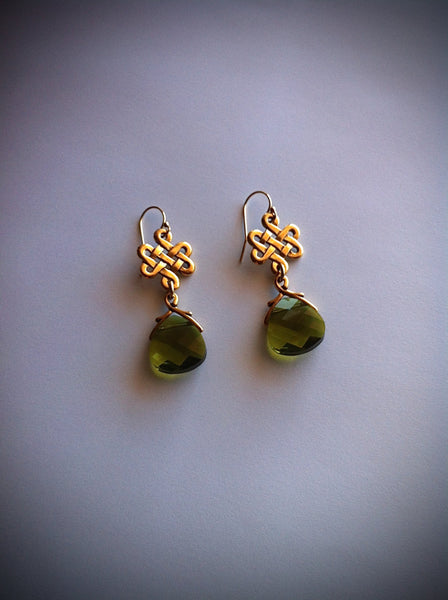 Gold Celtic Eternity Love Knot Woodland Green Crystal Earrings Outlander Jewelry - GracieWieber - 1