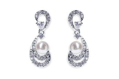 The Lovely Little Label Earrings Amalfi Pearl Earrings