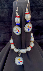 Pittsburgh Steelers Logo Pearl Rhinestone Earrings and bracelet set