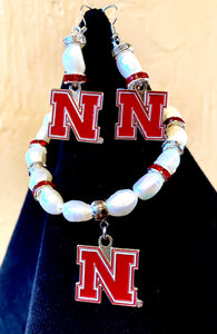 Nebraska Logo Pearl Earrings and bracelet set