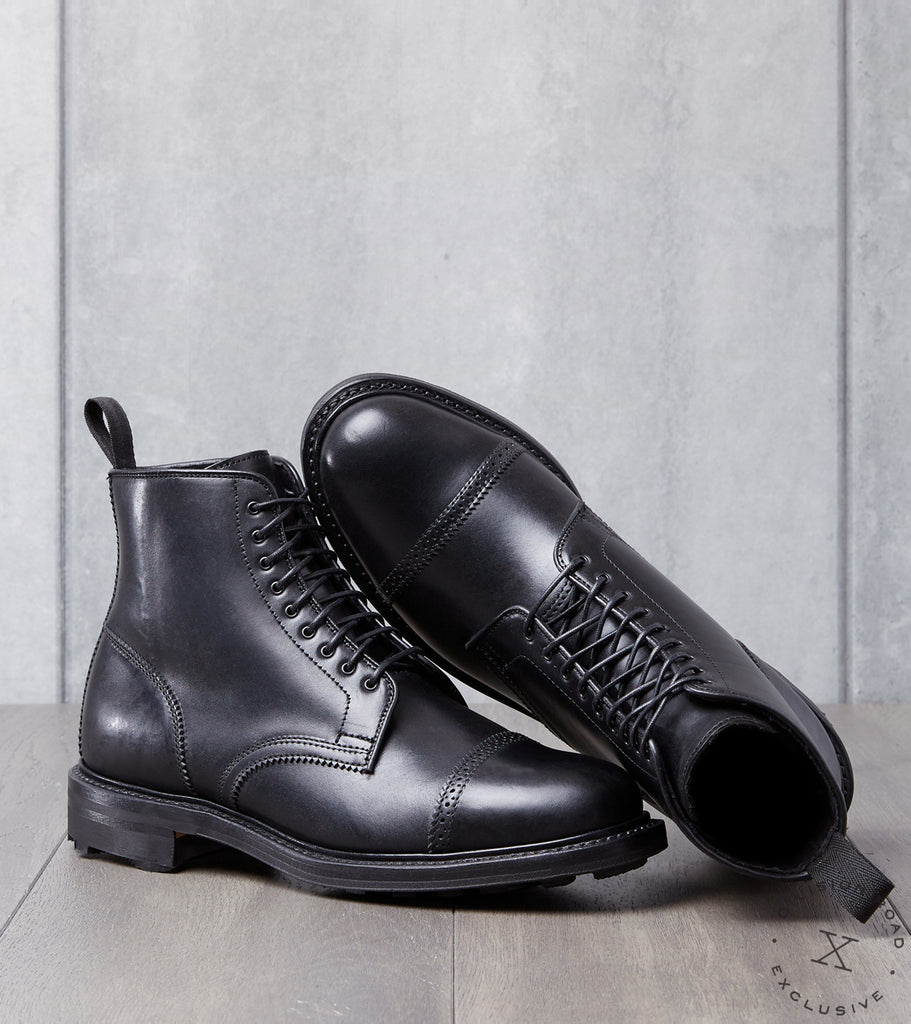 Viberg x Division Road Shelby Sharp Brogue Boot - 2030 - Ridgeway - Waxed Black Horsebutt