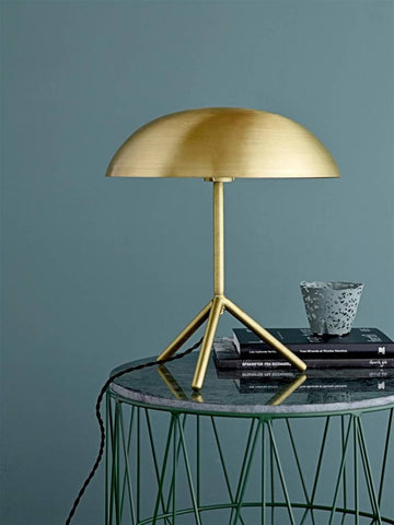 Metal Tripod Table Lamp