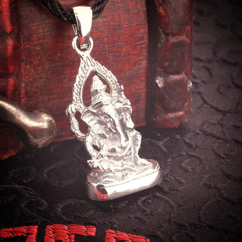 100% ~ 925 Thai silver sterling Ganesh pendant necklace-Sunetra