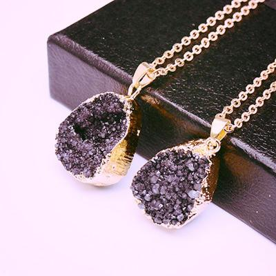 Druzy Quartz Natural Stone ~ Irregular Geode Amethyst ~ 18K Gold Plated Raw Stone Pendant  Gold black-Sunetra