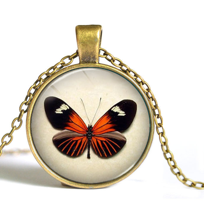 Wholesale Glass Dome Necklace Vintage Jewelry Fashion Butterfly Collares For Women Statement Pendant Necklace D1-Sunetra