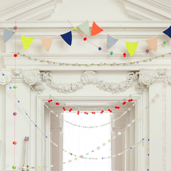 Party Banners & Garlands