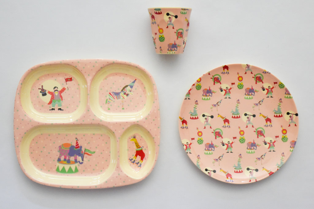 Circus Place Setting Set in Pink