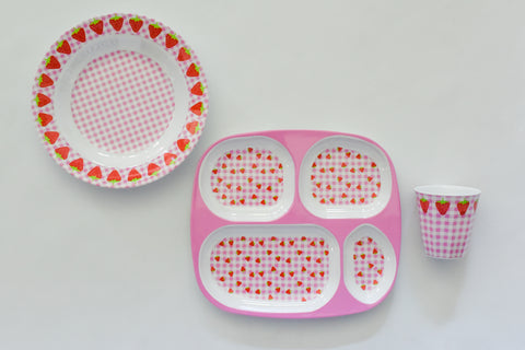 Gingham and Strawberry Place Setting Set