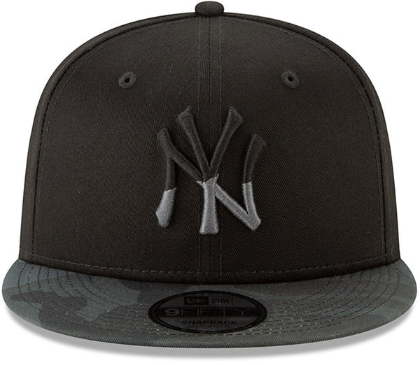 9634b495dea ... NY Yankees New Era 950 Camo Essential Snapback Cap + Gift Box ...